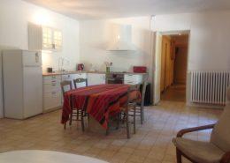 Salle à manger cuisine gite Cyprès - Gîtes et Chambres d'hôtes - Les Terrasses du Soleil